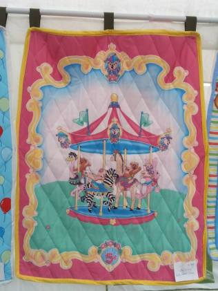 Carousel quilt pink border 30