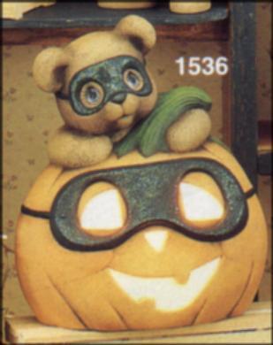 Clay Magic 1536 masked bear and pumpkin