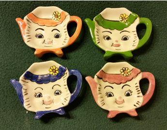 courtneys kitty tea bag holders