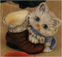 Duncan 1917 kitten with boot