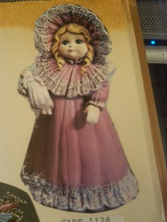 Gare 1128 girl with doll n lg lacy hat
