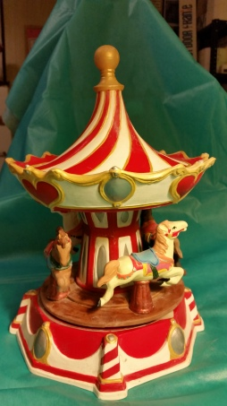 Gare 1151 & 1152 Red & White Carousel.jpg