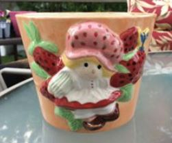 Strawberry Shortcake Planter in UG (Lynn)