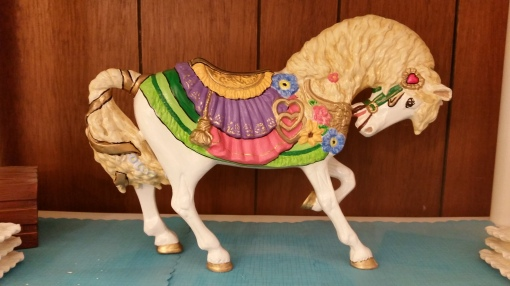 ALBERTA 0852 LARGE WEDDING HORSE CC