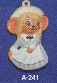 Alberta Ornaments 0241 pilgrim girl mouse