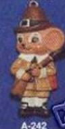 Alberta Ornaments 0242 pilgrim boy mouse