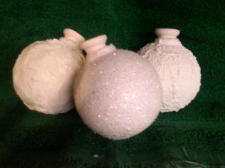 Duncan 0079d snowball ornaments