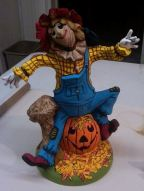 byron-0241-large-scarecrow-cc