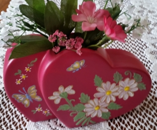 Clay Magic 0147 Heart Vase CC