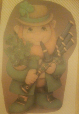 Clay Magic 0694 & 0695 Leprechaun with arm pockets planter