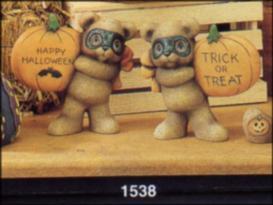 clay Magic 1538 masked bears with pumpkins
