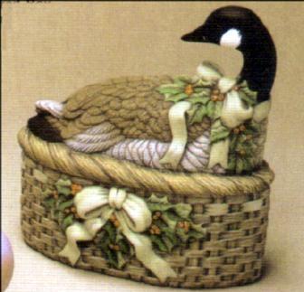 Dona 0245 Christmas Goose Box