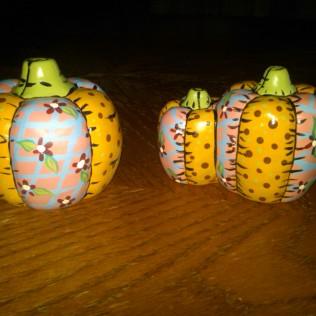 Dona 0252 soft-sculpture pumpkins