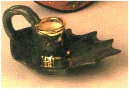 Duncan 0072a holly leaf candlestick