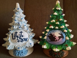FB tree with Let It Snow &Merry Christmas