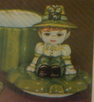 Duncan 0387 shamrock box with girl & boy lids