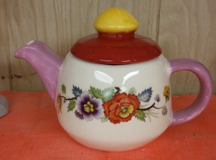 Ann Otiginal 0232 2-cup teapot with decals CC