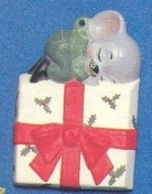 Alberta Ornaments 0165 mouse on Christmas package