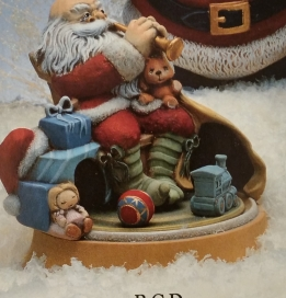 Gare 902 Santa with Toys Music Box