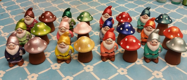 Scioto 0001 Mini Gnome & Mushroom CC checker set