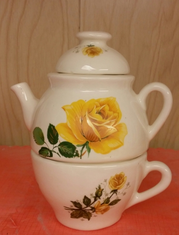 tea-for-one with yellow rose decals
