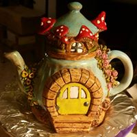 charming teapot fairy house front CC (fashenhues)